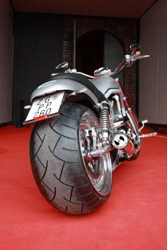 Tomic Custom Bike - Prerade - V-Rod