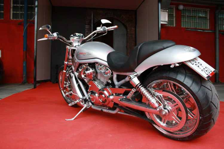 Tomic Custom Bike - Prerade - V-Rod